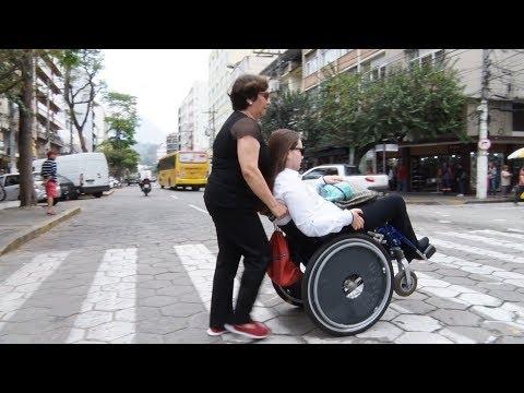 Acessibilidade está entre as maiores dificuldades enfrentadas por deficientes