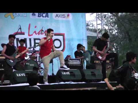 Purify - Pathetic Nation (Live at BandCloth 2012)