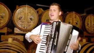 KOLLÁROVCI- MÁM JA HRUŠKU (Oficiálny videoklip) 8/2013