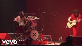 Seven Nation Army (Live at Bonnaroo 2007)