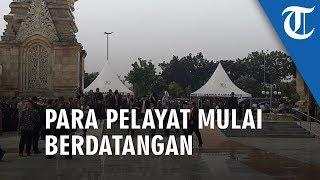 Lepas Dzuhur, Sejumlah Pelayat BJ Habibie Mulai Berdatangan ke TMPN Utama Kalibata