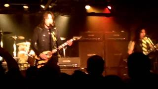 STRYPER - The Rock That Makes Me Roll and Over the Mountain