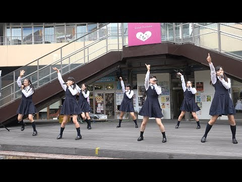 4K high-kick in your uniform idol style uniform costume is good! - ちょっとエッチな動画紹介