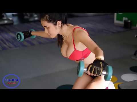 Xem nữ hoàng phòng Gym tập (quá nóng bỏng luôn)
