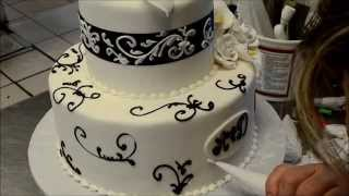 How To Decorate A Simple But Elegant Wedding Cake
