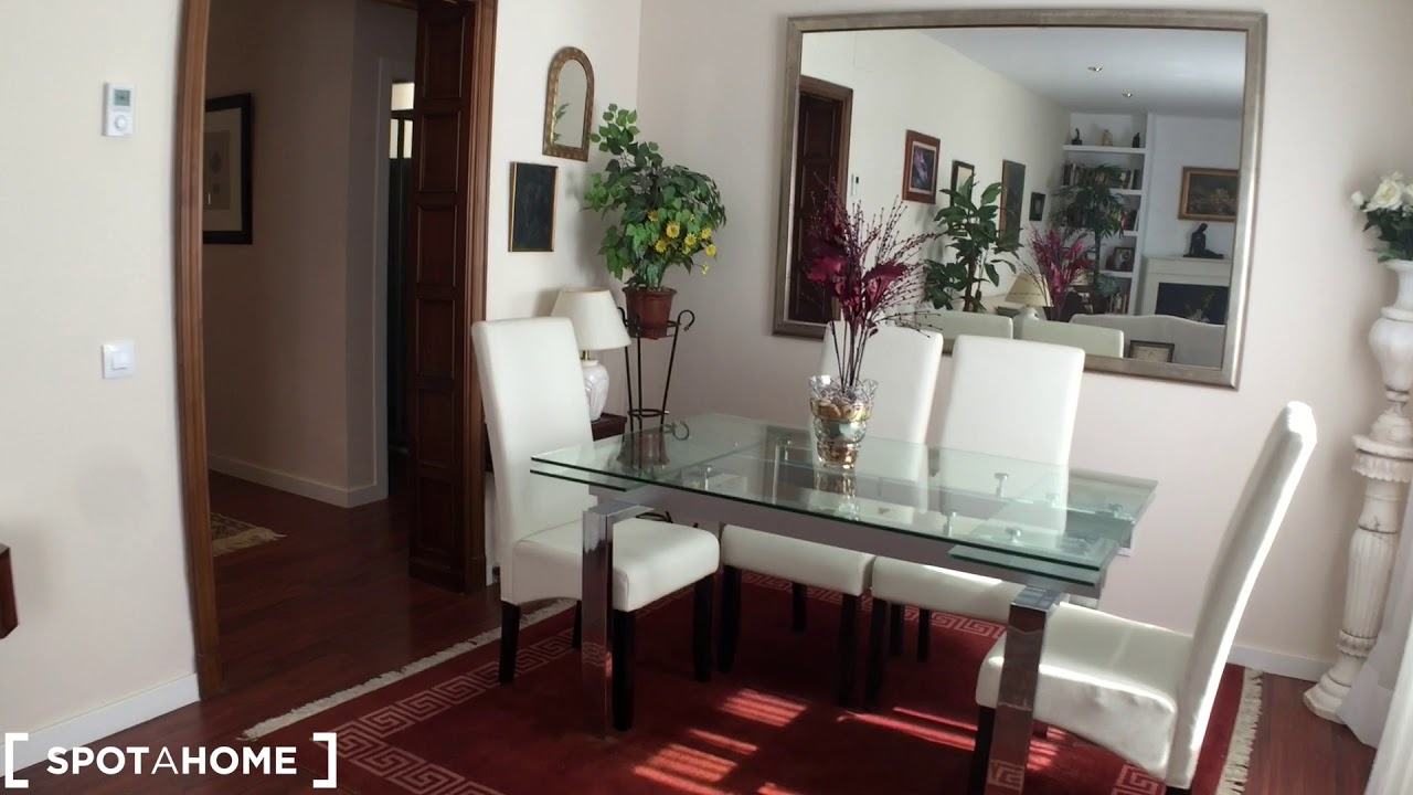 Room for rent in 2-bedroom apartment in Chamartín