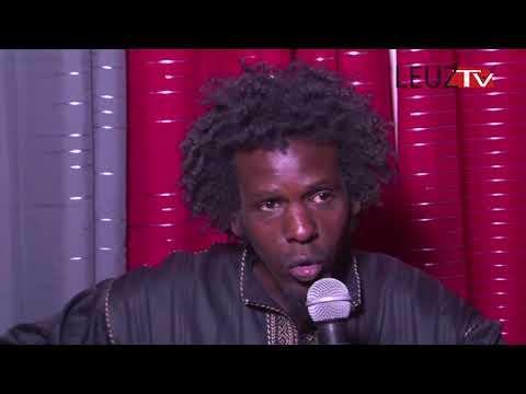 Vidéo: Hilarant le fils du lutteur Siteu raconté par Demba ka artiste comédien regardez