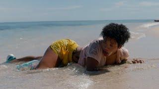 【谷阿莫】她船難漂流到荒島玩求生,竟巧遇男友和閨蜜還有魚頭人身怪2019《荒島甜心》