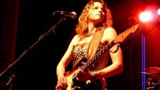 Ana Popovic - House burning down (Hendrix cover - encore) at Musiktheater Dortmund 02.04.2011