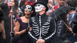 "Los Muertos Vivos Estan (Movie Version) (""Spectre"" soundtrack)"