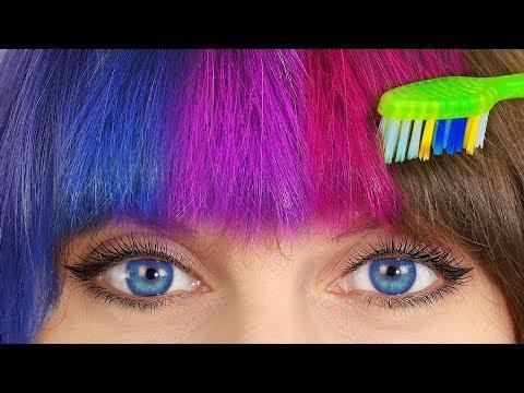 Der blaue Ton der Maske für das Haar