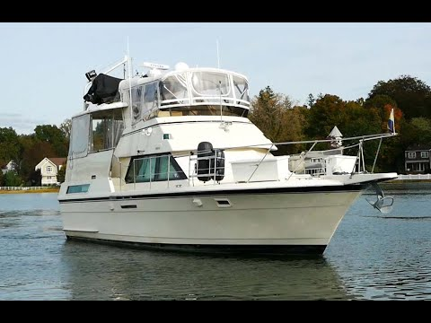 Hatteras 40 Motor Yacht video