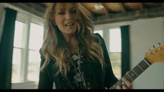 Clare Dunn Holding Out For A Cowboy