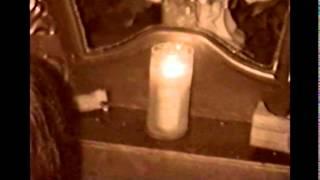 preview picture of video 'Santuário de Itapiranga: Face de Santa Terezinha na vela'