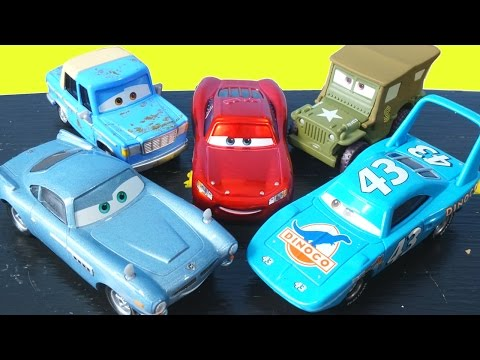 DISNEY PIXAR CARS MATER INTRODUCES CARS FRIENDS TO LIGHTNING MCQUEEN OTIS FINN THE KING