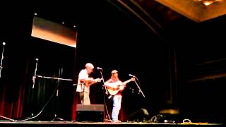 Kevin Neidig and Barry Mitterhoff performing Big Spring by Bill Monroe