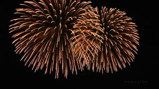 Nieuwjaarskaarten, Enjoy the amazing fireworks with spectacular final in fullsreen HD Music by Abba Revival Band