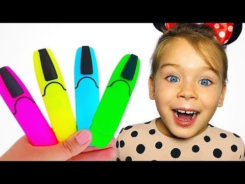 Sofia Pretends to play with his Magic Pen - Preschool toddler learn color