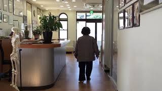 痺れとバランスが悪く歩行しにくい、両膝を強打して病院に行ったが痺れがひどくなりMRIを撮影すると脊柱管狭窄症と言われた!