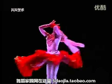 , title : '第十届桃李杯 鲜花 民族民间舞女子独舞 表演:茹蔓古丽*斯拉依丁
