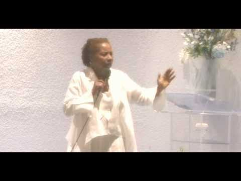 Iyanla Vanzant – Stand in your greatness