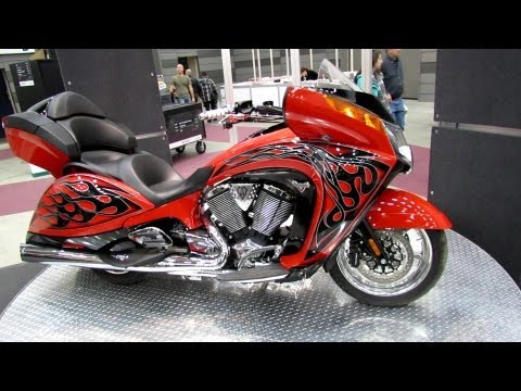 2013 Victory Arlen Ness Victory Vision - Walkaround - 2013 Quebec Motorcycle Show