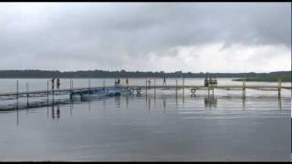 preview picture of video 'Sława - domki nad jeziorem'