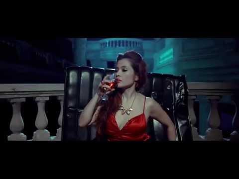 CRAZY GIRL - TỐ NHƯ (Official MV), đúng là nhìn như con điên thật