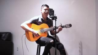 Sobre mis pies / La Arrolladora Banda El Limón / Pike Romero