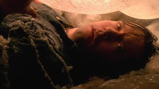 男子一觉醒来,被困巨大黏膜里,撕开后却被外面景象吓到了
