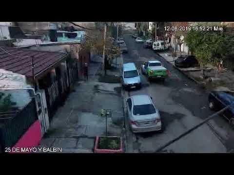 Llamaron un taxi por una App de celular y le robaron al chofer: quedaron detenidos