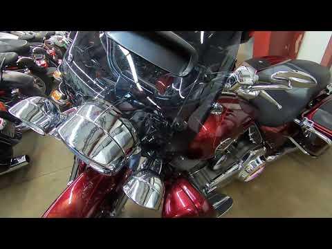 2013 Harley-Davidson CVO Road King FLHRSE5
