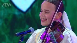 Ľudová hudba Martinky Bobáňovej - Zem spieva - Finále