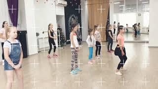 DANCE MIX KIDS 7+