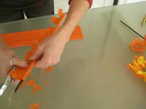 Créer une fleur en papier.