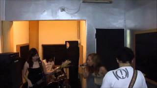 Louders - Fall behind me (The Donnas)