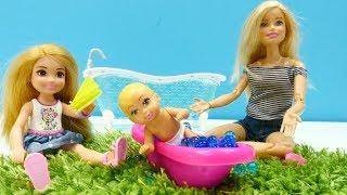Hace mucho calor. Barbie muñecas. Vídeos para niñas.