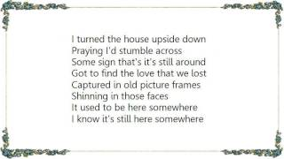 Chely Wright - The Love That We Lost Lyrics