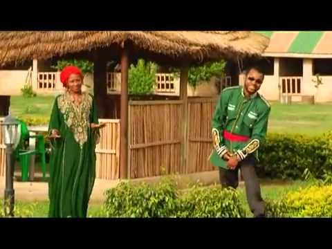GANI GAKA { SONA YANA GUNKA } Hausa Song