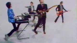 Elvis Costello & The Attractions - Pump It Up video