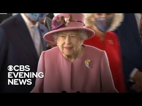 Queen Elizabeth spends night in hospital