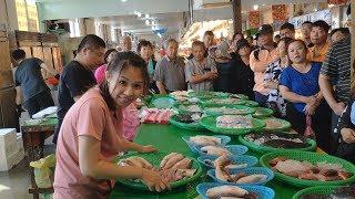 永安漁港親切大方的年輕小姐姐,看她是怎樣拍賣海鮮的 Amazing seafood auction  Yong-an Fish Harbor
