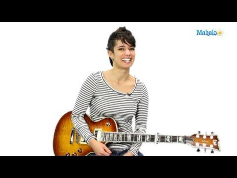 How to Play a D/E Chord on Guitar