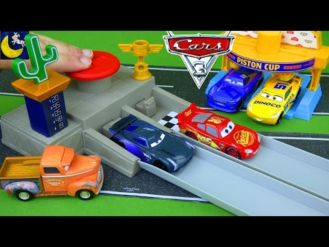 Disney Cars 3 Toys Race Track Lightning McQueen Jackson Storm Piston Cup Race Off Diecast Cars Toys