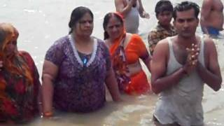 Ganga Snan With Family - Hindu holy