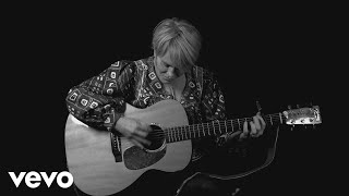 <b>Shawn Colvin</b>  Sunny Came Home  2017 Acoustic Version Music Video