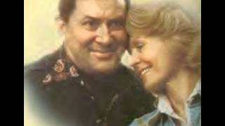 Don Gibson & Sue Thompson ~ I Think They Call It Love