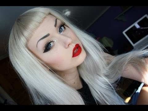 Cat Eye - Red Lips