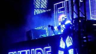 David Guetta Acapulco Beach Party 2010 - Show me love / Freemind