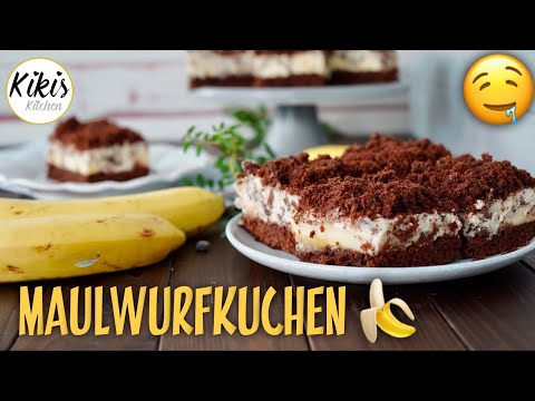 Maulwurfkuchen vom Blech  / Schnell selbst gebacken mit Rührteig und Bananen
